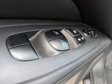 Window switches recall the ones in Mercedes Benz current lineup. They are not. You are not in a Mercedes. No one will mistake the Pathfinder for the G Wagon.